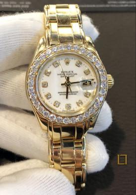 Rolex vang khoi nữ vành kim cương 31mm