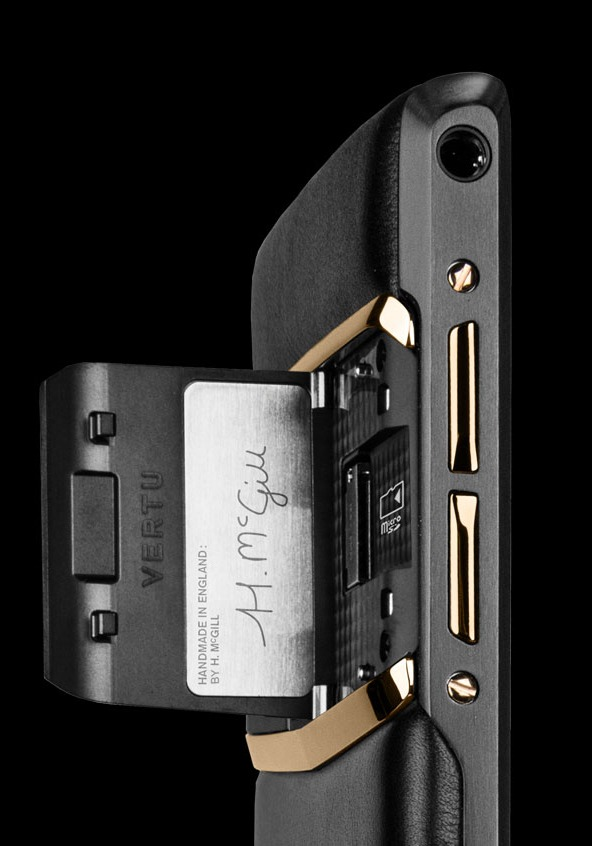 Vertu New Signature Touch Pure Jet Red Gold Cao cấp