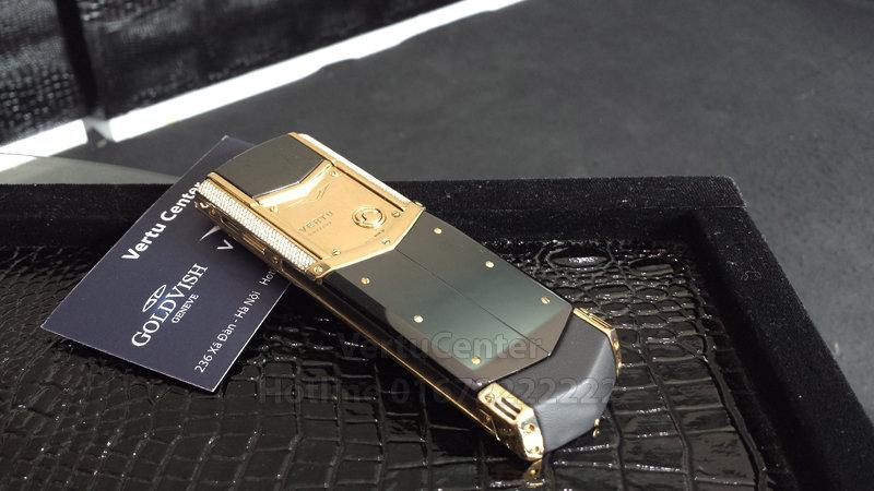 Vertu Signature S Design Gold Diamond